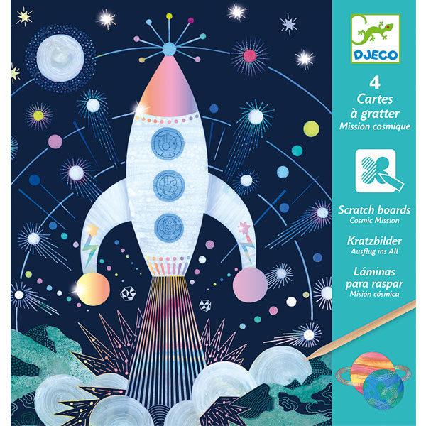 Djeco krasfolie ruimtevaartmissie vanaf 6j Djeco krasfolie ruimtevaartmissie vanaf 6j Kras op de 4 zwarte tekeningen met de bijhorende houten pen en ontdek prachtige ruimtevaart schilderijtjes. In de verpakking zitten 4 zwarte krasplaten met o.a een raket, een astronaut, het planetenstelsel en een prachtige sterrenkijker. De illustraties van de krasfolie is van Annabelle Buxton voor het Franse merk Djeco. De krasplaatjes zijn geschikt voor kinderen vanaf 6 jaar en ideaal voor een verjaardag, een verjaardagsfeestje, bij een etentje of ook leuk voor op vakantie.