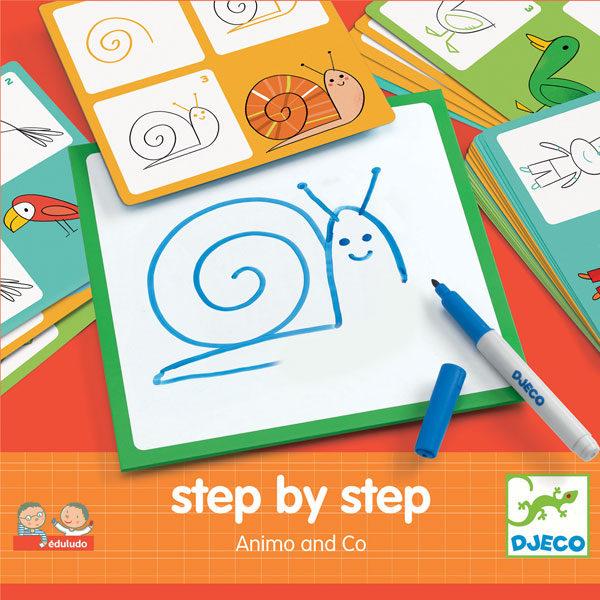 Djeco step by step animo vanaf 4j Step by step is een educatieve tekenset van het Franse merk Djeco. In de stevige kartonnen doos zitten 24 voorbeeldkaarten, een afwasbaar tekenbord,een stift en een zwart doekje. Op de voorbeeldkaarten staan afbeeldingen van verschillende dieren die je stap na stap kan leren natekenen. Er zitten o.a afbeeldingen in van een leeuw,eend,walvis,kikker,zeeleeuw,.. De educatieve tekenset is ideaal voor kinderen vanaf 4 jaar om de fijne motoriek te beoefenen.
