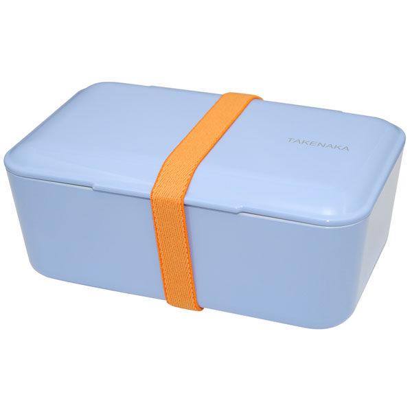 Takenaka bento box lunchbox Serenity blue Lunchen in stijl doe je met de bento boxes van het Japanse merk Takenaka. De mooie Serenity blue kleurige bento box kan je gebruiken als lunchbox voor koude en warme gerechten Inclusief een onderverdeler en een elastiek om de bento box te sluiten. De bento boxes zijn ook verkrijgbaar in de kleuren: rose, candy pink en peppermint. Microgolf en vaastwasmachine bestendig.