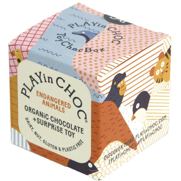 Chocolade & surprise - bedreigde diersoorten - Biologisch en glutenvrij Playinchoc is een surprise box met 2 biologische, glutenvrije,veganistische en notenvrije chocolaatjes en een kartonnen 3D puzzel om in elkaar te zetten. In de mooie organische verpakking zit een kaartje met weetjes over de bedreigde diersoorten. Verzamel de 6 3D kartonnen puzzels en kom meer te weten over de bedreigde diersoorten! Ideaal als klein cadeautje tijdens de feestdagen,een verjaardag of leuk onder de Kerstboom. Ook verkrijgbaar in een limited Kerstmis en Dinosaurus editie.