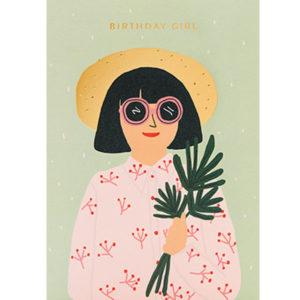 Jennifer Bouron Birthday girl wenskaart Jennifer Bouron is een Franse print designer en illustrator. Na 3 jaar prints te ontwerpen voor verschillende modemerken voor kinderen is Jennifer Bouron haar freelance bedrijf gestart. De ontwerpen van Jennifer Bouron staan bekend als gedurfd en eigentijds met opvallende kleurkeuzes. De blanco dubbele wenskaart is gedrukt in Engeland en geprint op gerecycled papier.