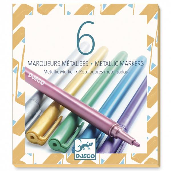 Djeco 6 metallic markers Van het Franse merk Djeco is deze set met 6 metallic markers om je creatief uit te leven. De metallic markers zijn geschikt voor creatieve kinderen vanaf 6 jaar. De glitter markers zijn ook een aanrader.