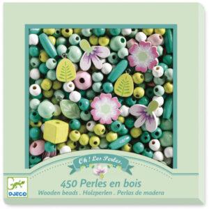 Djeco houten kralen bladeren en bloemen 450 stuks Van het Franse merk Djeco is deze set met 450 houten bladeren en bloemen kralen. In de mooie hersluitbare verpakking zitten gekleurde kralen,een draad van 6 meter en 8 hangers. De illustraties zijn van Caroline Faup.Geschikt voor kinderen vanaf 4-8 jaar. Ook leuk als verjaardagscadeautje.