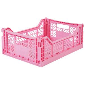 Ay-Kasa krat Baby Pink medium De Ay-Kasa kratjes zijn prachtig in je interieur, de baby of kinderkamer. De kleurrijke kratjes van Ay-Kasa zijn een creatieve oplossing voor extra opbergruimte op je werkplek of je bureau. De opvouwbare kratjes zijn gemaakt van gerecycled plastic. De ecologische Ay-kasa kratjes kan je handig op elkaar stapelen. Afmeting van de Baby Pink medium krat is 40 x 30 x 14,5. De Aykasa kratjes hebben een inhoud van 15 liter en kunnen gevuld worden tot 8 kg.