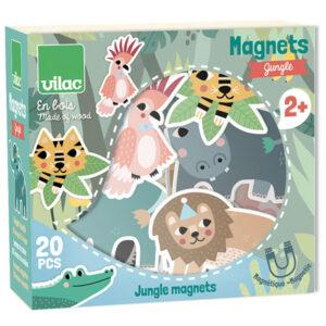 Vilac houten jungle magneten vanaf 2j Michelle Carlslund Leer al spelenderwijs de verschillende dieren van de jungle. Van het Franse merk Vilac is deze mooie set met houten jungle magneten voor de allerkleinsten. De illustraties zijn van Michelle Carlslund. De houten magneten zijn geschikt voor kinderen vanaf 2 jaar. In de houten opbergdoos zitten 20 jungle magneten met afbeeldingen van o.a een olifant, zebra, aap, leeuw, koala, giraf,.. Leuk als verjaardagscadeautje of prachtig op een magneetbord in de kinderkamer.
