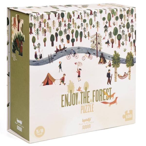 Puzzel Enjoy the Forest 100 stuks vanaf 5 jaar Neem je rugzak mee, trek je wandelschoenen aan, we maken een excursie! We zullen door weilanden, bossen en rivieren lopen en onderweg zullen veel dieren ons verzamelen. De prachtige Enjoy the Forest puzzel van het Spaanse merk Londji is geschikt voor kinderen vanaf 5 jaar. Illustratie: Maria Dek Materiaa: Gerecycled karton en papier Verpakking: Stevige kartonnen doos Afmeting puzzel: 85cm x 32cm Afmeting doos: 24cm x 24cm x 8cm