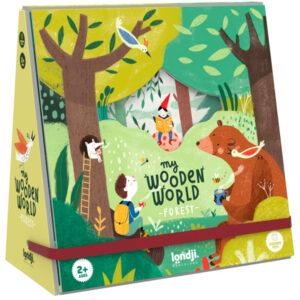 Londji My wooden world forest speelset vanaf 2 jaar Londji wooden world forest is een houten figuren speelset voor kinderen vanaf 2 jaar van het Spaanse merk Londji. Open de doos en ontdek een fantasiebos met 10 beukenhouten figuren. Het uitklapbaar fantasiebos heeft een speelveld van 45cm x 64cm en is gedrukt met biologische inkt op gerecycled karton. Stimuleert de fantasie en de fijne motoriek voor de allerkleinsten. De houten figuren zijn verpakt in een katoenen zakje.