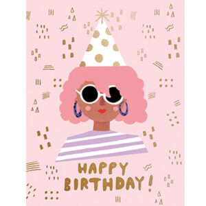 """Happy Birthday Party Girl Carolyn Suzuki Carolyn Suzuki woont in Los Angeles en maakt prachtige illustratiesmet felle kleuren en speelse patronen die vreugde en diversiteit naar voor brengen. Met haar mooie illustraties met een tikkeltje humor steunt ze verschillende goede doelen zoals mensenrechten en het klimaat. Ze gebruikt het bereik van haar kunst in haar activisme om vrouwelijke ondernemers te ondersteunen. Carolyn heeft de laatste 8 jaar een wenskaartenbedrijf en verkoopt haar mooie illustraties van Japan tot Australië. Kidsdinge is dan ook fier om haar prachtige illustraties in Belgie te laten zien. De """"Happy Birthday party girl!"""" dubbele wenskaart met gouden print is geprint op 100% gerecycled FSC papier van berk. De afmeting van de dubbele wenskaart is 10,8cm x 14cm."""