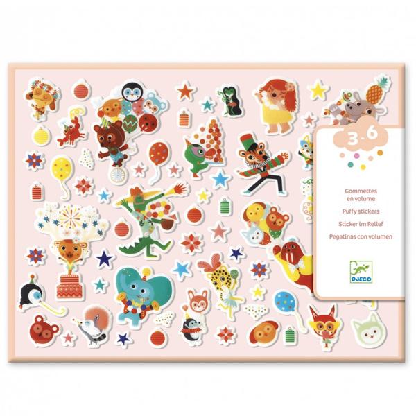 Djeco stickers fluffy feest vanaf 3-6 jaar Jonge kinderen vanaf 3 jaar zijn dol op deze grote puffy feest stickers. In de hersluitbare doos zitten 2 vellen met in het totaal 126 relief stickers. De mooie illustraties zijn van Julie Mercier voor het Franse merk Djeco. Leuk voor een feestje of een verjaardag.