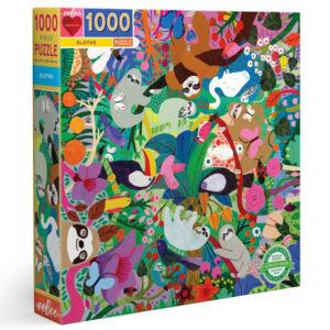 Eeboo Luiaard puzzel 1000 stuks Puzzel je een weg door een gek luiaardavontuur. Puzzels van 1000 stukjes zijn perfect voor het hele gezin! Geen top of bottom, leuk om van welke kant dan ook aan te werken! De enige die ondersteboven staan zijn de luiaards. De prachtige illustraties zijn van Monika Forsberg voor het Amerikaanse merk Eeboo. De puzzels zijn gemaakt van gerycled karton en gedrukt met plantaardige inkt. Afmeting van de puzzel: 58,4cm x 58,4cm